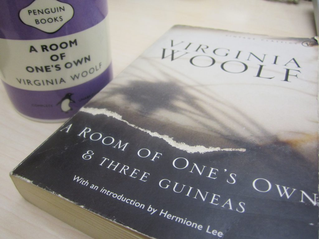 https://chasingbawa.com/2010/11/29/a-room-of-ones-own-by-virginia-woolf/