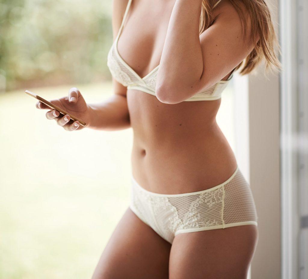 Sexting Woman