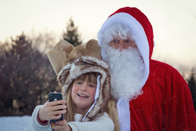 snarky responses fake santa with kid
