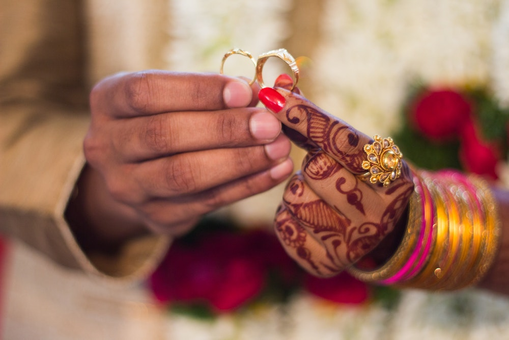 indian marriage hands